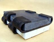 LIMINE, pietra e ferro, cm 6x20x30, 2003